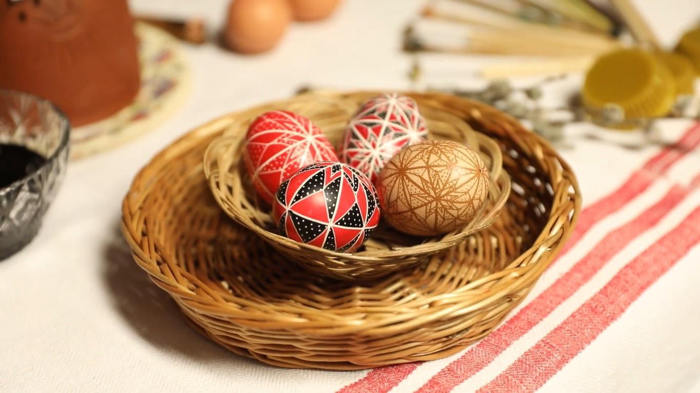 Készüljünk együtt az ünnepre! <br> Gyimesi írott tojások